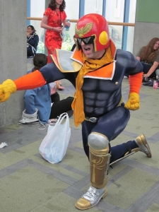 800px-captain_falcon_cosplayer_at_fanimecon_2010-05-30_3